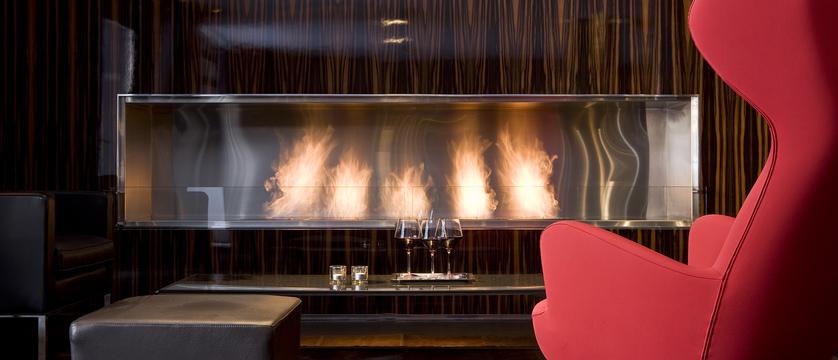 Avenue lodge - fireplace